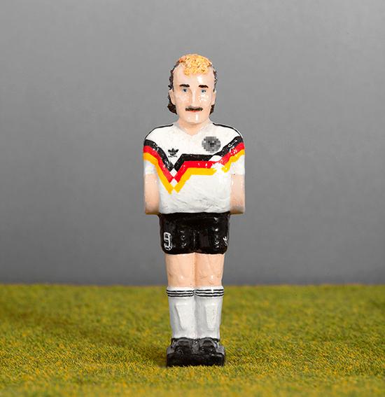 40 Rudi Völler